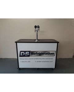 Portable bar on wheels with double tap system
